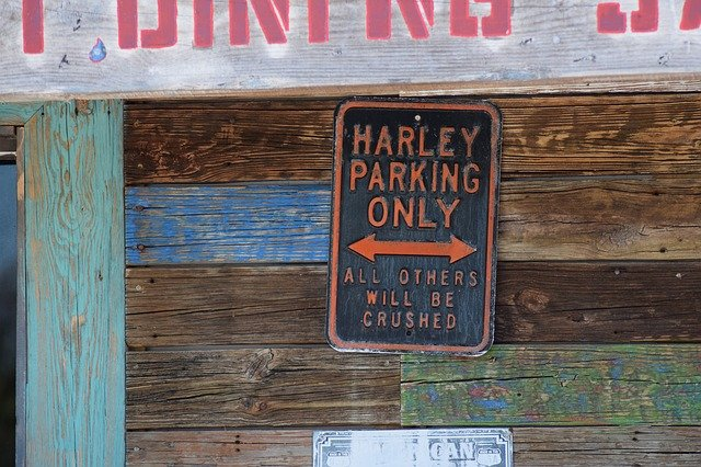 parkování pro harley davidson.jpg