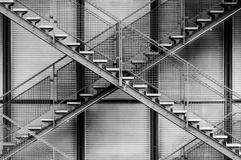 kovové schody